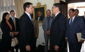 El senado Marco Rubio y el presidente Juan Orlando Hernandes en Tegucigalpa. Foto de diario La Prensa