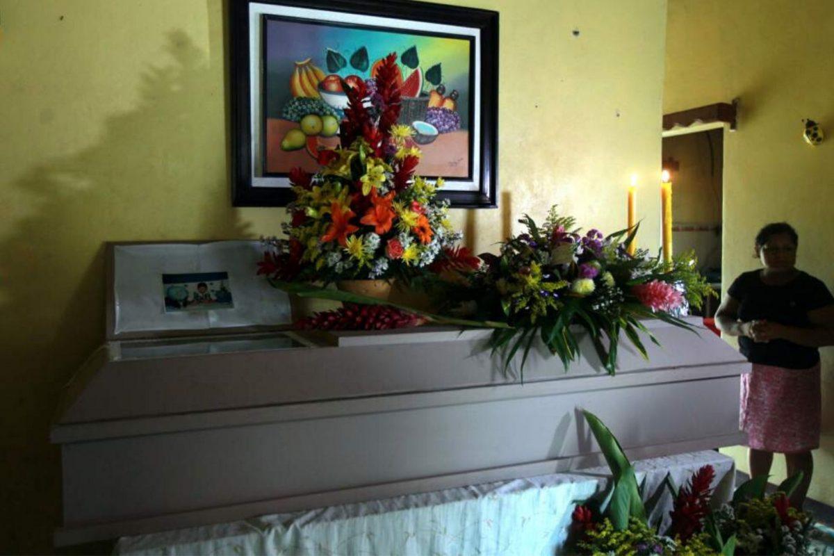 Velorios de fallecidos por coronavirus han sido restringidos como parte del protocolo
