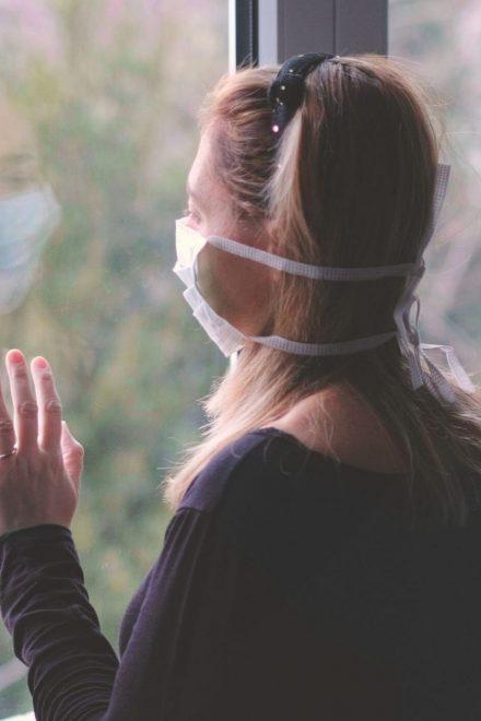 Personal de salud y personas infectadas por covid-19 pueden ser afectadas a nivel psicológico