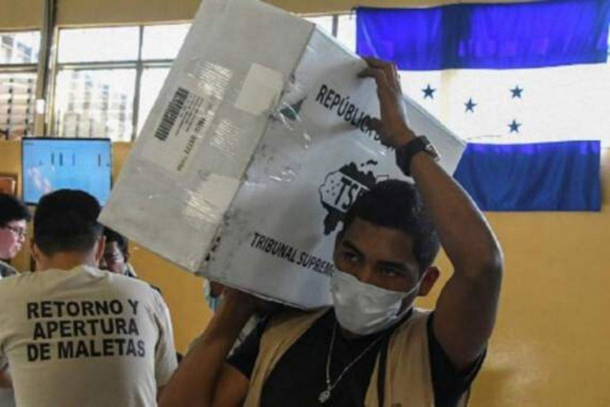 Elecciones internas a la antigua pero con nuevo censo e identidad para generales