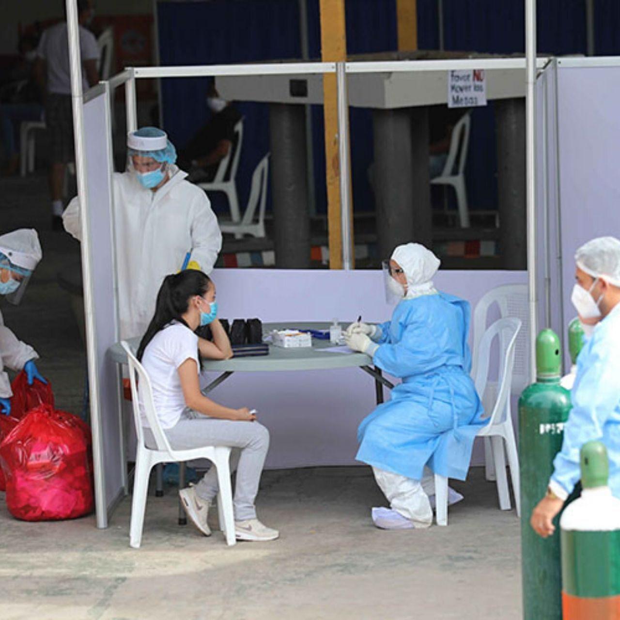 Centros de triages la opción momentánea ante colapso de hospitales