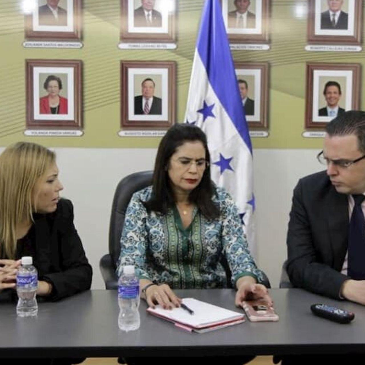 """CNE anuncia cronograma electoral, Rixi Moncada denuncia """"nuevo fraude"""""""