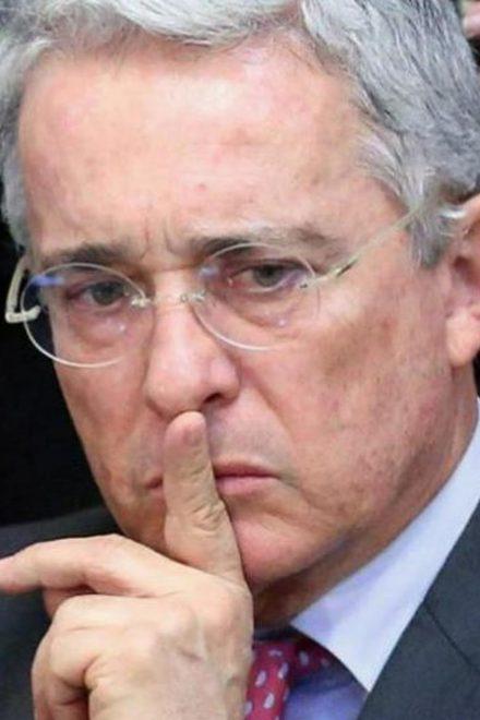 Expresidente de Colombia Álvaro Uribe en arresto domiciliario