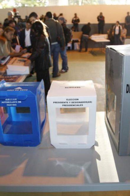 Con el rechazo de Rixi Moncada, concejales del CNE convocan a elecciones