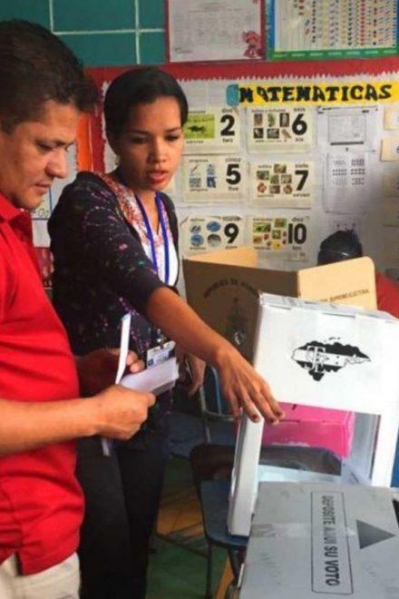 Aspirantes a cargos de elección popular oficializan su participación