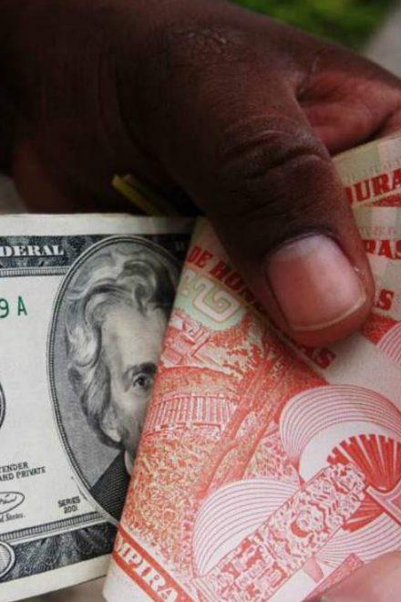 Se ha fortalecido el lempira frente al dólar pero se prevé devaluación
