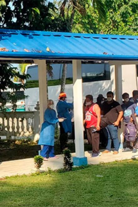 Honduras reanuda el retorno de migrantes procedentes de México por tierra