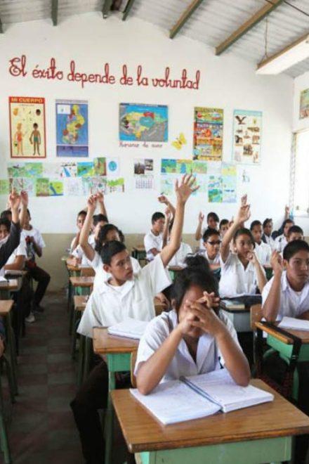 El BID destina un millón de dólares a la educación en Honduras y El Salvador