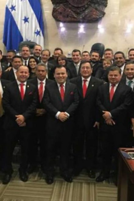 ¿Grieta?: Juicio político contra Hernández exhibe férrea división en el Partido Liberal