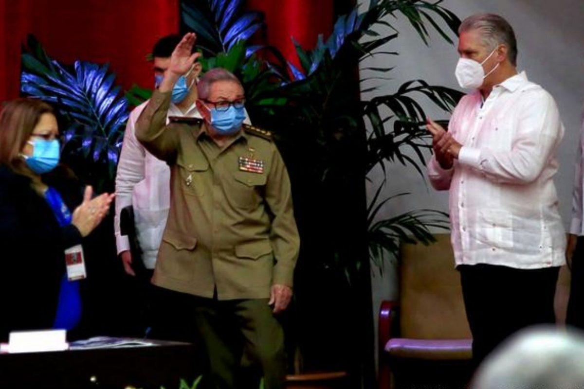 Raúl Castro confirma su renuncia como jefe del Partido Comunista de Cuba