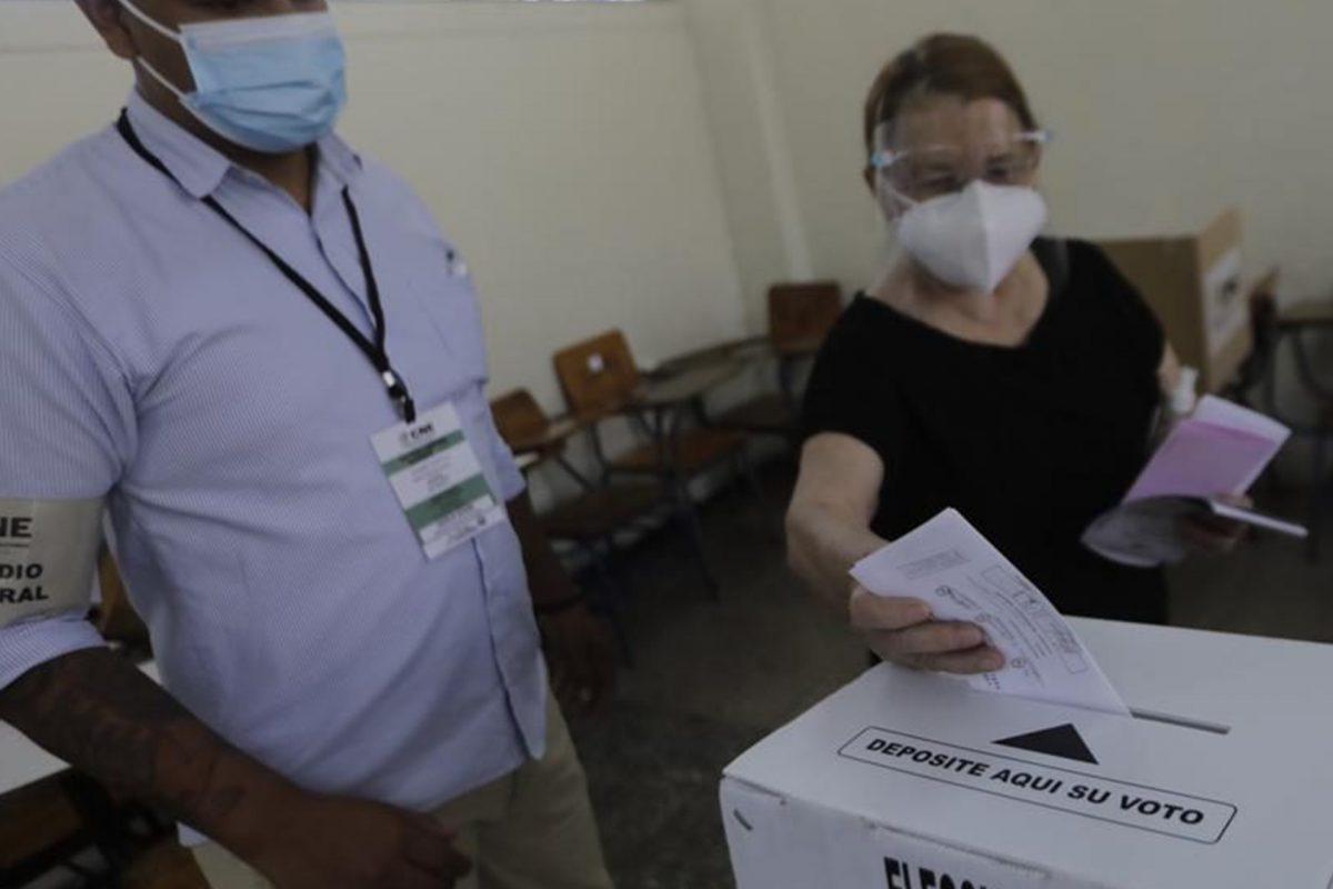 Reclamo por adjudicación del TREP es para manipular elecciones y volver a 2017, dicen opositores