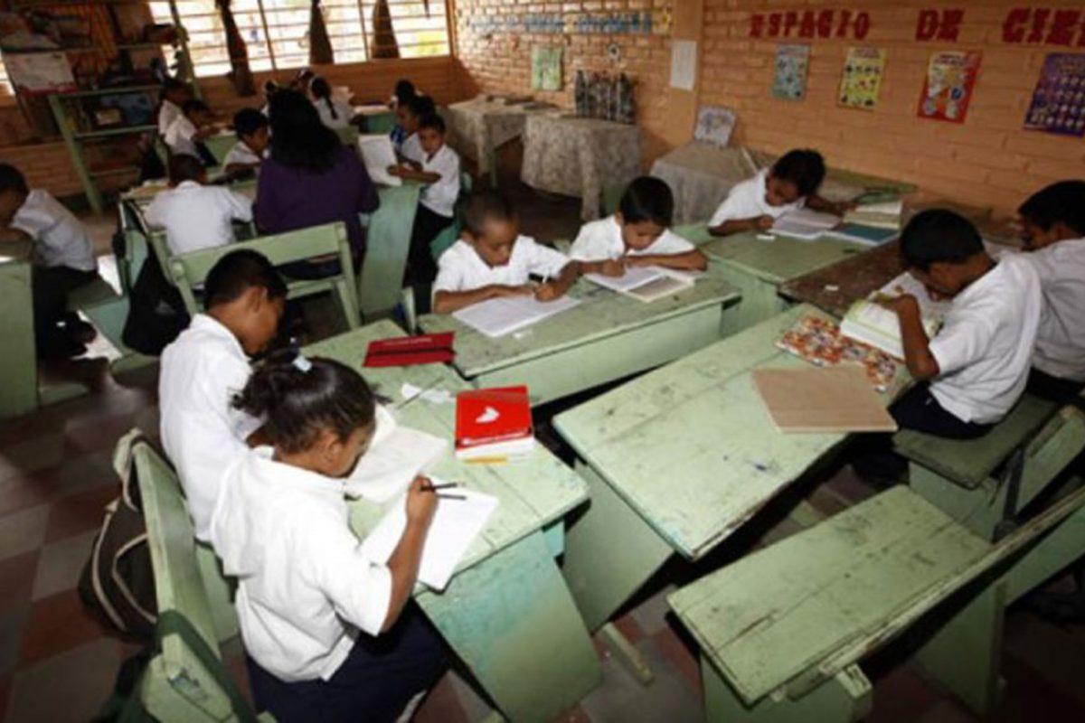 Migración irregular hacia EE.UU. impacta en deserción escolar, según informe