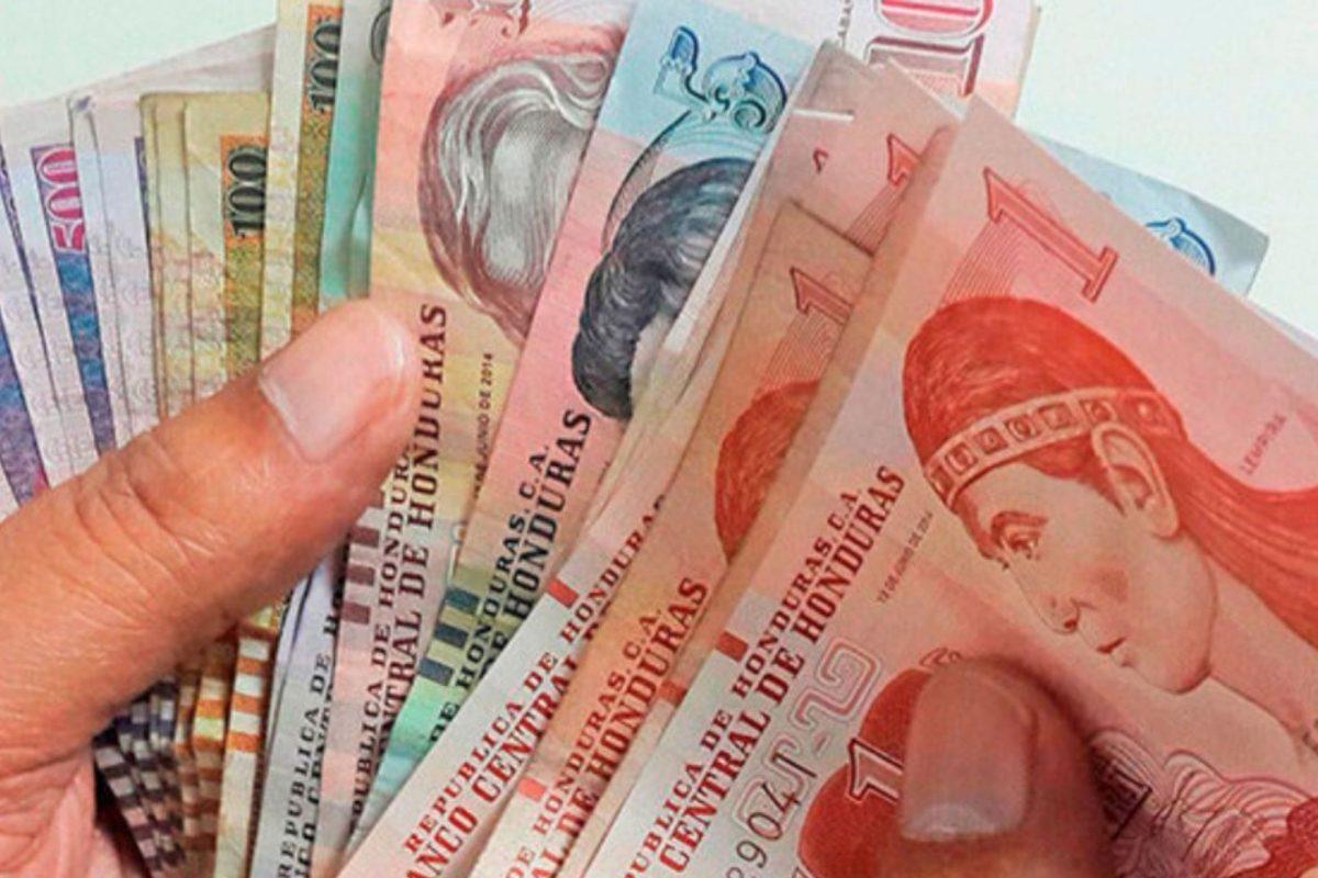 Economistas advierten más deuda e impuestos que generará el presupuesto general de 2002