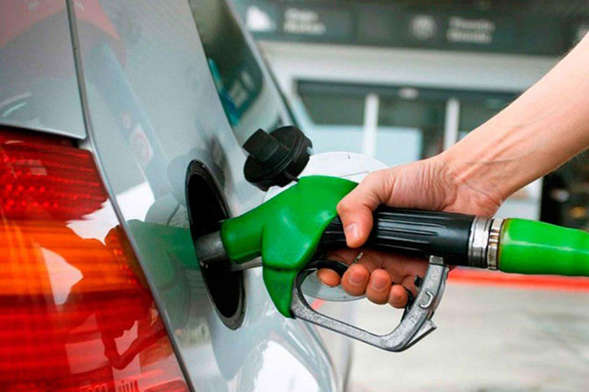 Hasta por los talibanes: precio de combustibles seguiría subiendo en Honduras, según experto