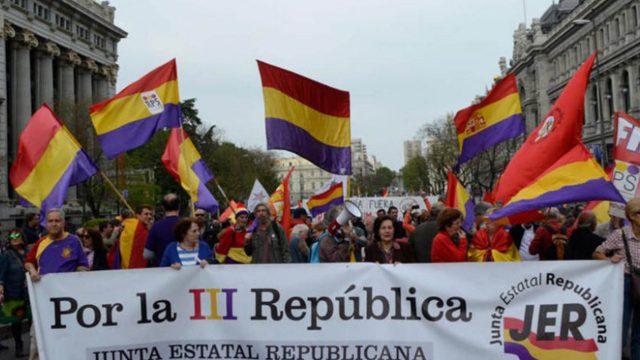 https://elpulso.hn/wp-content/uploads/2021/10/bandera-tercera-republica-espanola-1170x658-640x360.jpg